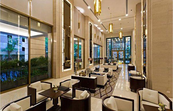 Q-Langsuan-Bangkok-condo-lobby