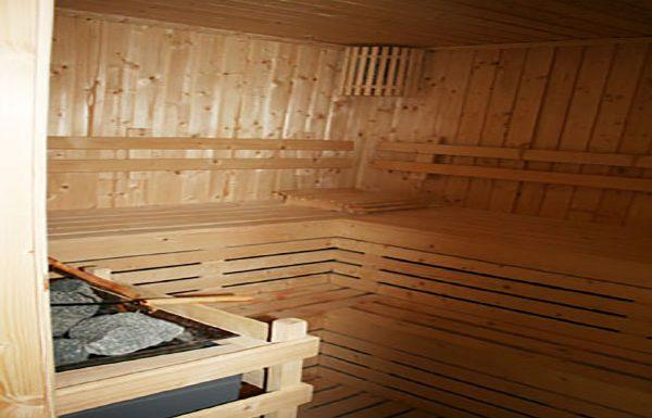 Q-Langsuan-Bangkok-condo-sauna-2